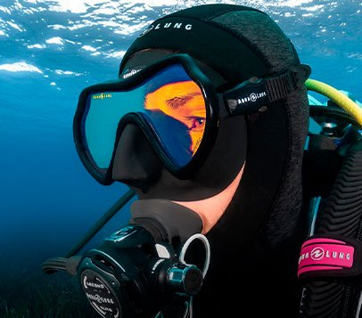 Fins, masks and snorkels